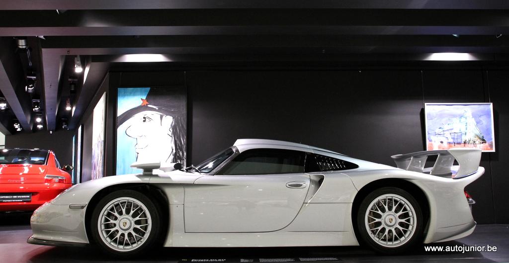 29. Porsche 996 GT1