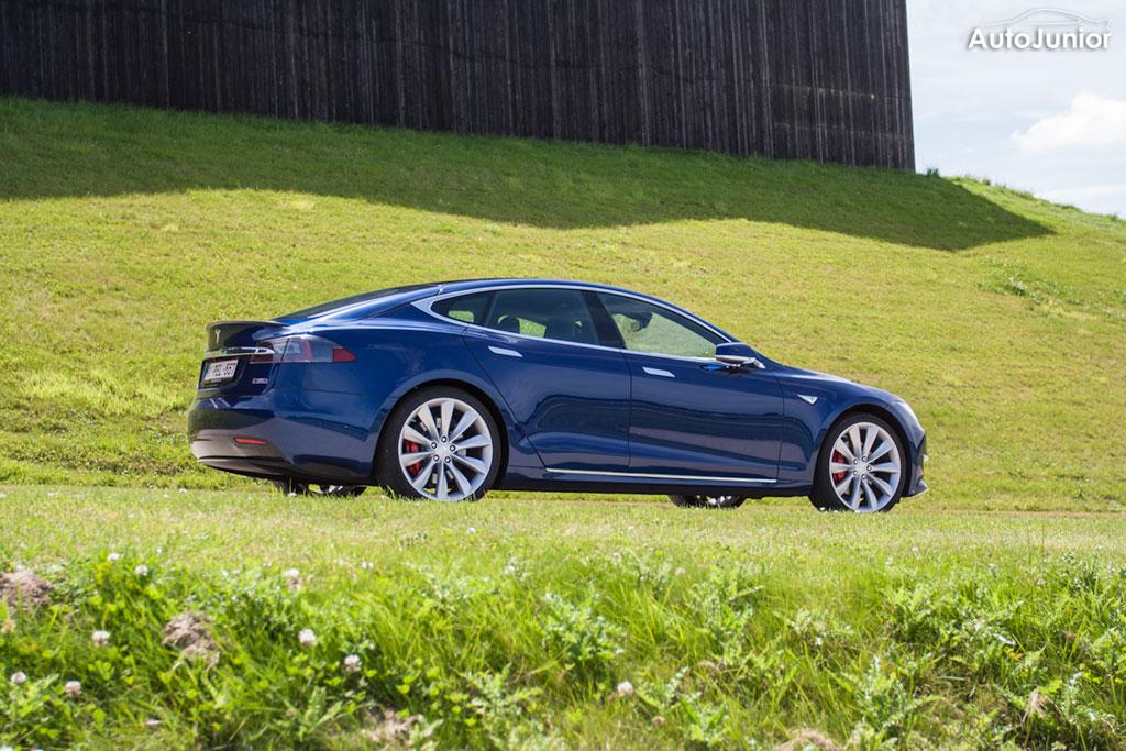 Tesla Model S P90 D